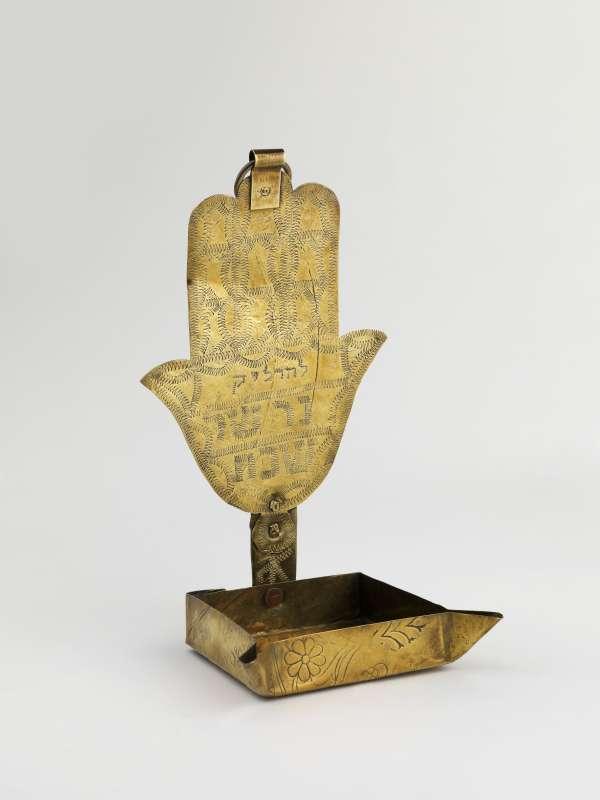מנורה לשבת ('קַנְדיל')