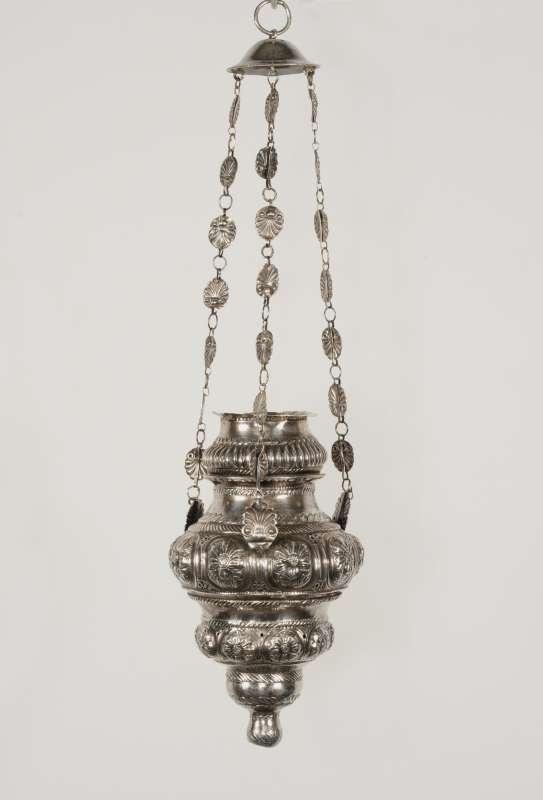 מנורת זיכרון לבית הכנסת