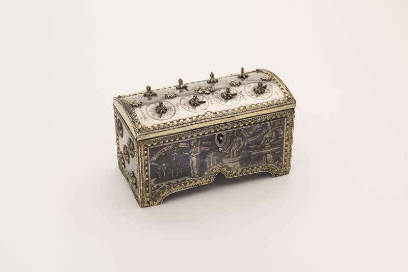 Bridal casket (<i>cofanetto</i>)