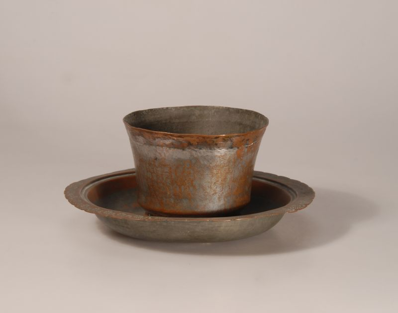 Cup and bowl for ritual hand washing (?)