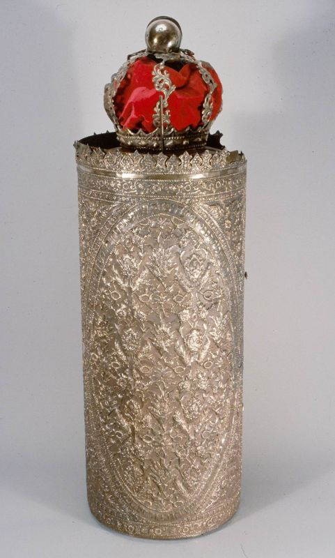 Torah scroll case with a red crown