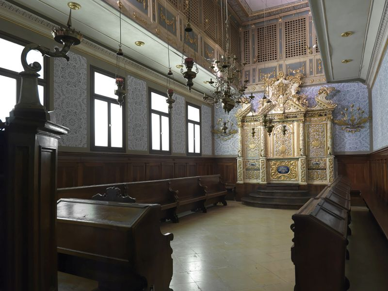 Interior of the Vittorio Veneto synagogue
