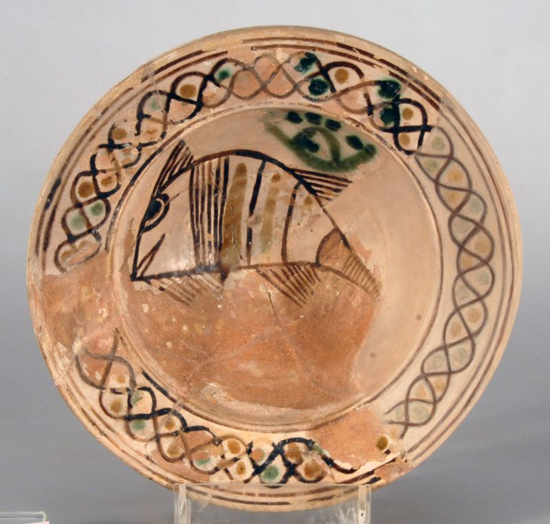 Bowl from southern Italy decorated with fish