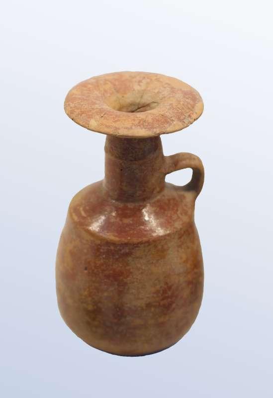 Fine pottery jug