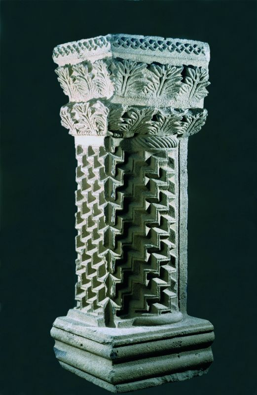 Torah shrine column decorated with a stepped pattern and acanthus leaves