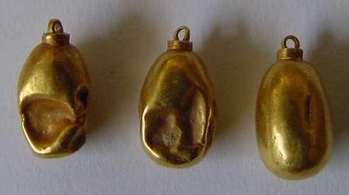 Drop-shaped pendants