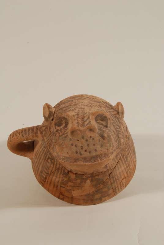 ספל דמוי לביאה ששימש בטקסי פולחן