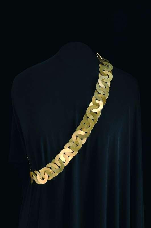 Necklace (<i>rihana</i>)