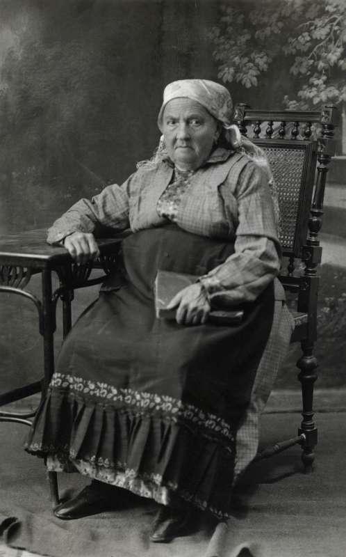 גולדה רוזנטל, מן המיילדות הידועות ביישוב הישן