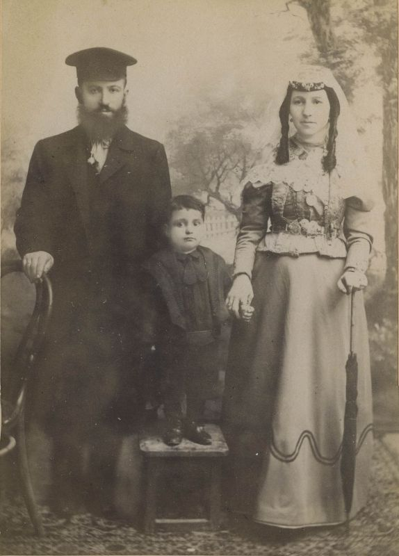 The Osia family