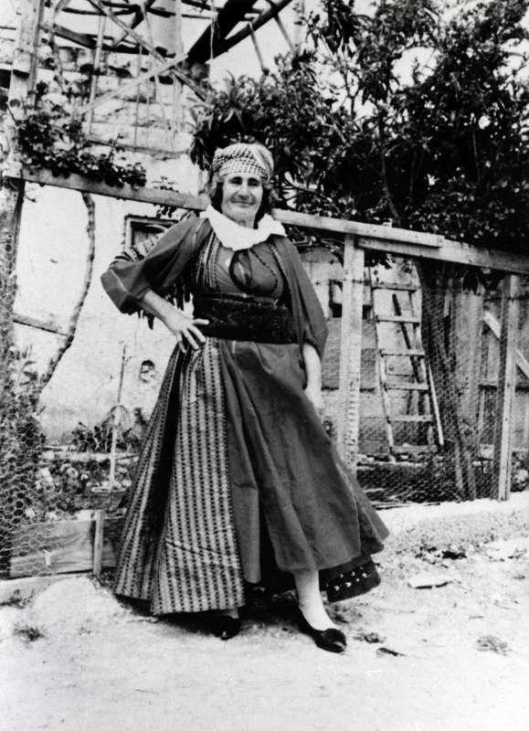 שמחה ירמיהו בלבוש מסורתי של אזור זאכוֹ