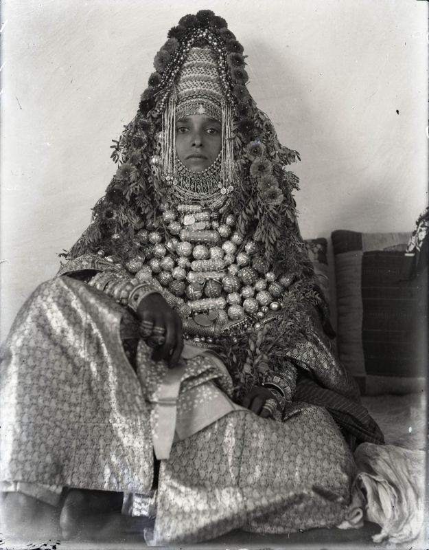 Woman dressed as a Jewish bride
