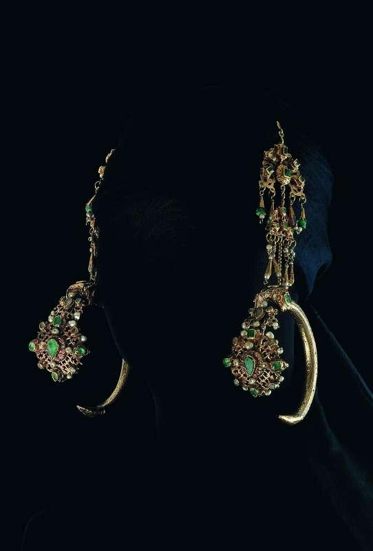 Bridal earrings (<i>khoras kbash</i> - ram's head, or <i>khoras amara</i> - complex decoration)