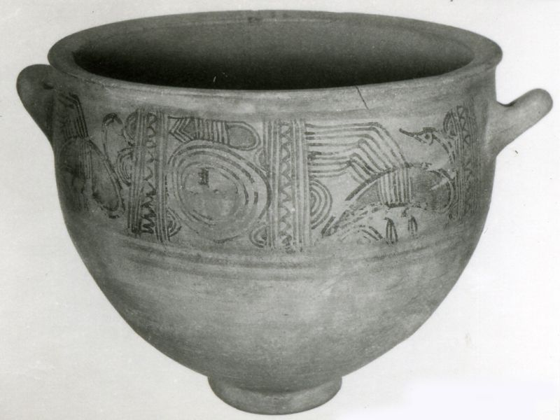 Krater for mixing wine