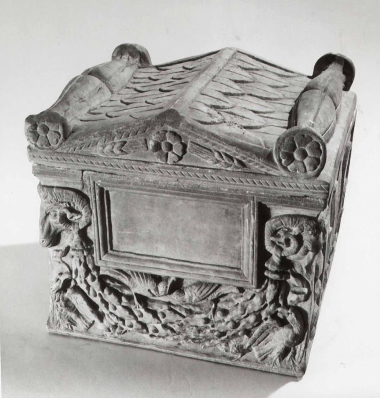 Cinerary urn in the shape of a shrine with a gabled and decorated roof