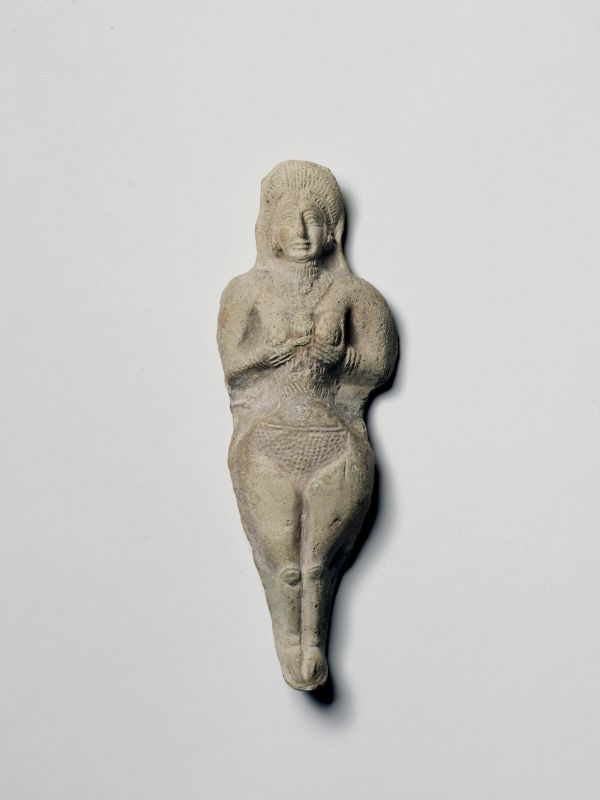 Elamite figurine of a naked woman (a goddess?)