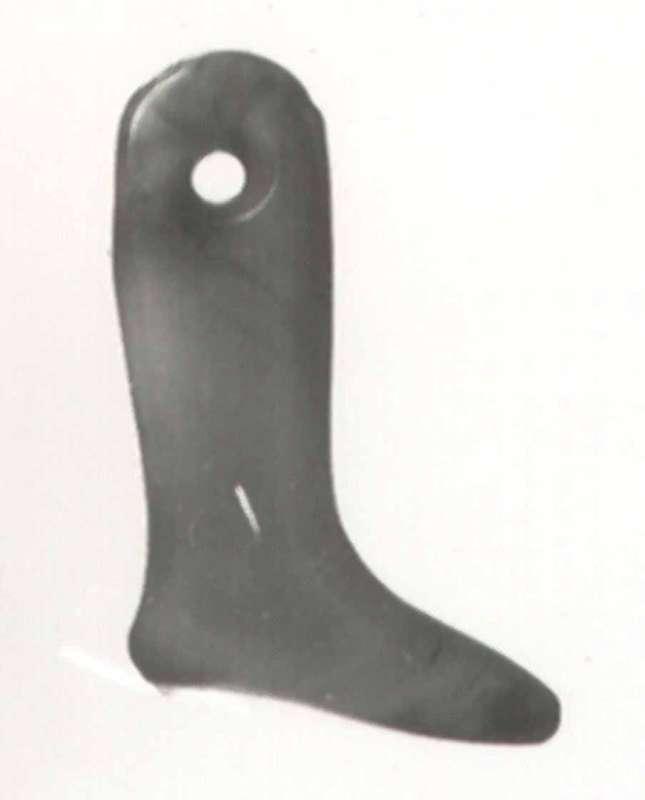 Leg-shaped amulet