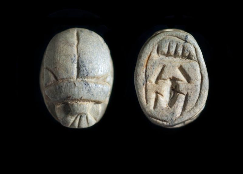 Scarab depicting two of the signs comprising the throne name of Thutmose III, possibly a forgery