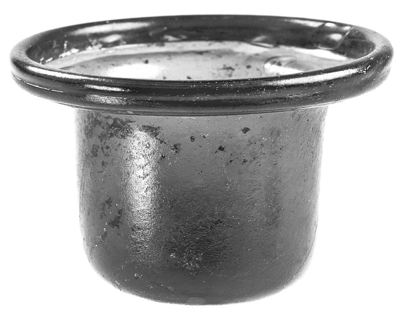 Small bowl imitating elegant terra sigillata pottery shapes