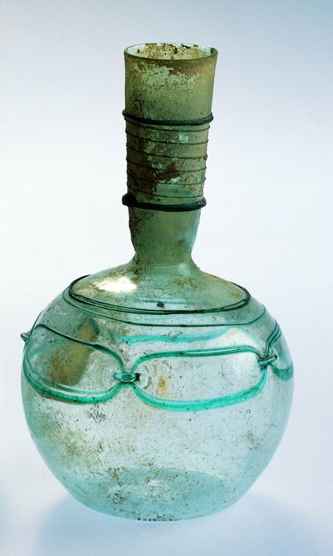 Bottle with trail-decoration