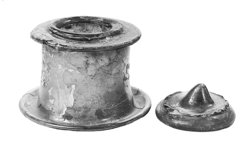 Lidded container or inkwell