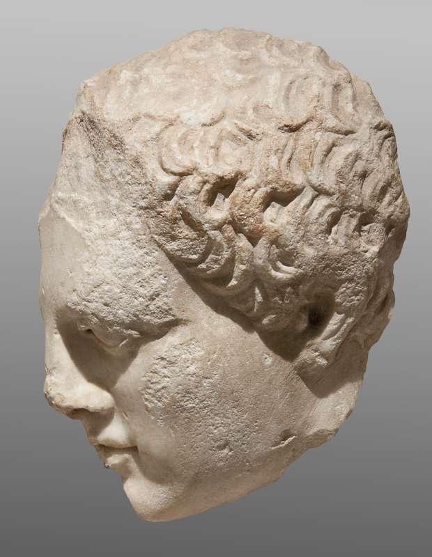 ראש של צעיר, שבר ממצבת קבורה