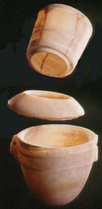 Vessel made of three parts