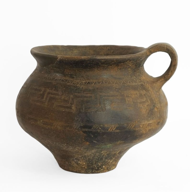 Single-handled vessel