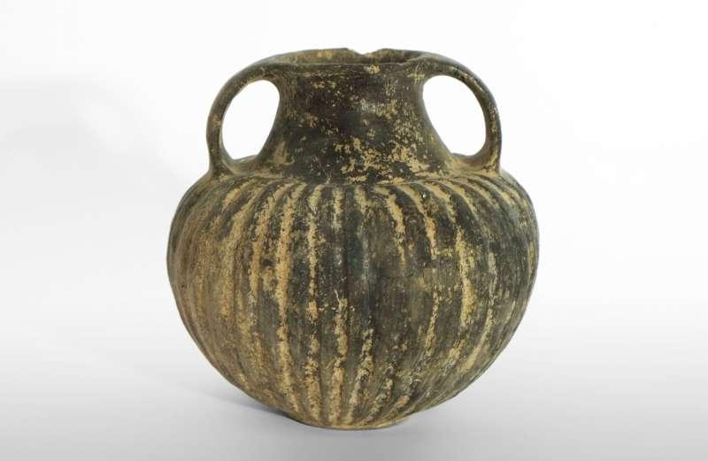 Ribbon-handle amphora