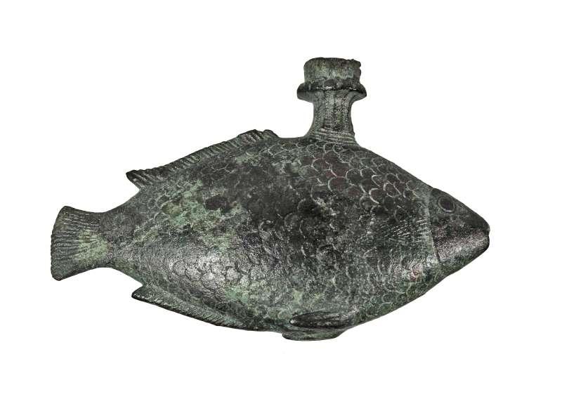 כלי דמוי דג