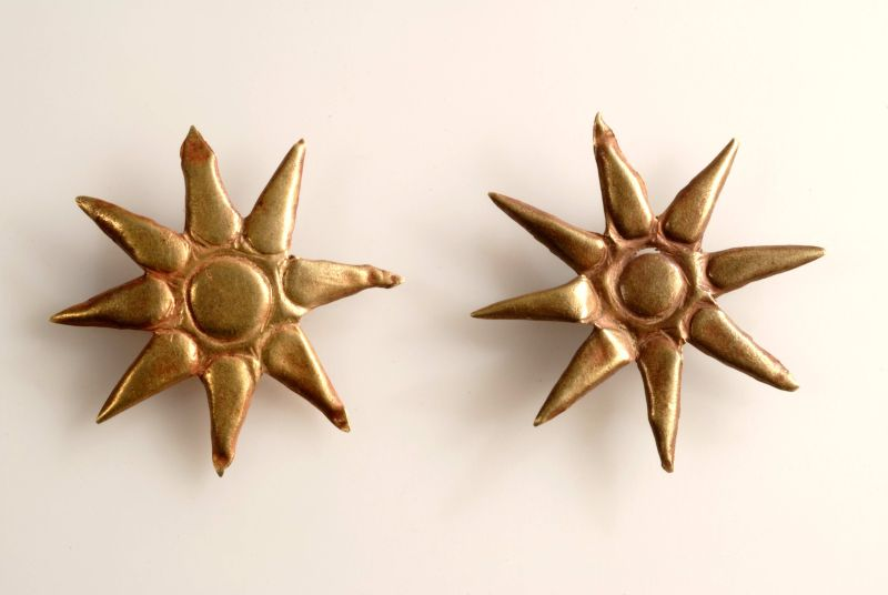 Star-shaped ornaments to be applied to divine garments