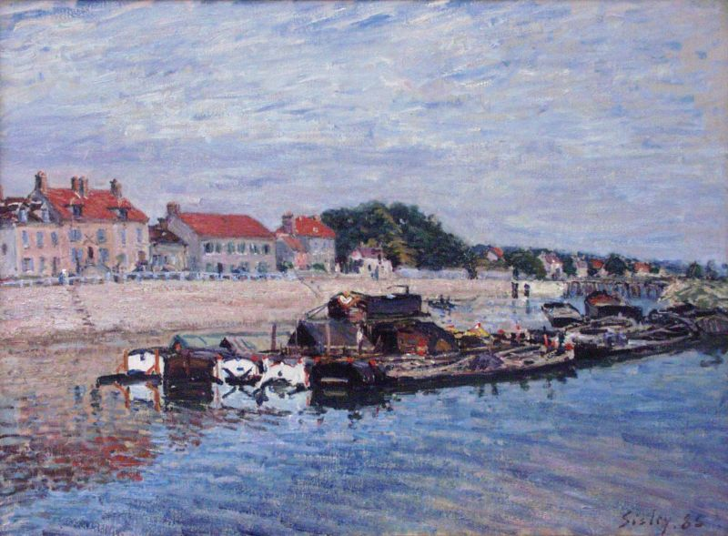 Barges on the Loing at Saint-Mammès