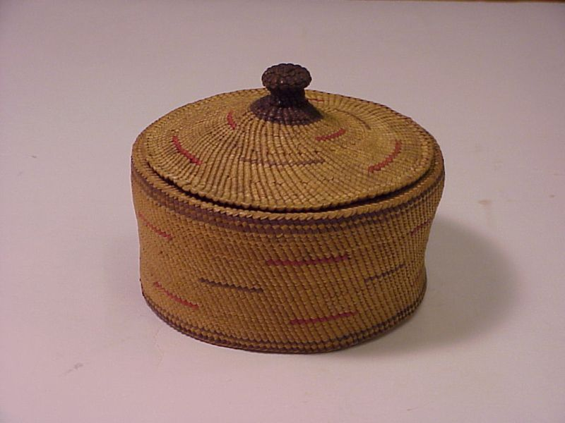 Decorated lidded box