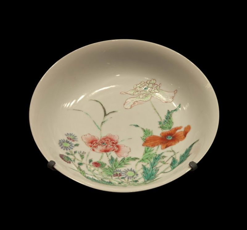 Dish decorated with flowers