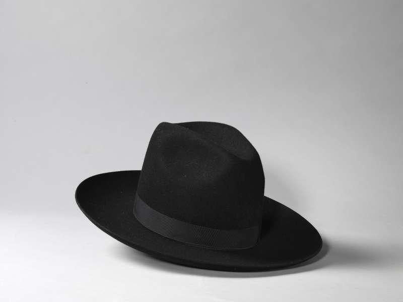 מגבעת לגבר
