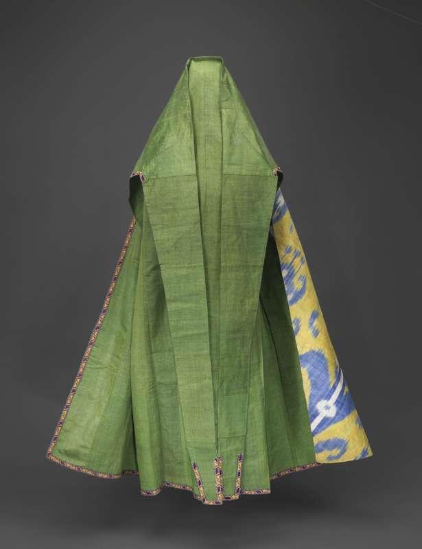Mourning cloak (<i>faranji</i>) and face veil (<i>chashm-band</i>)