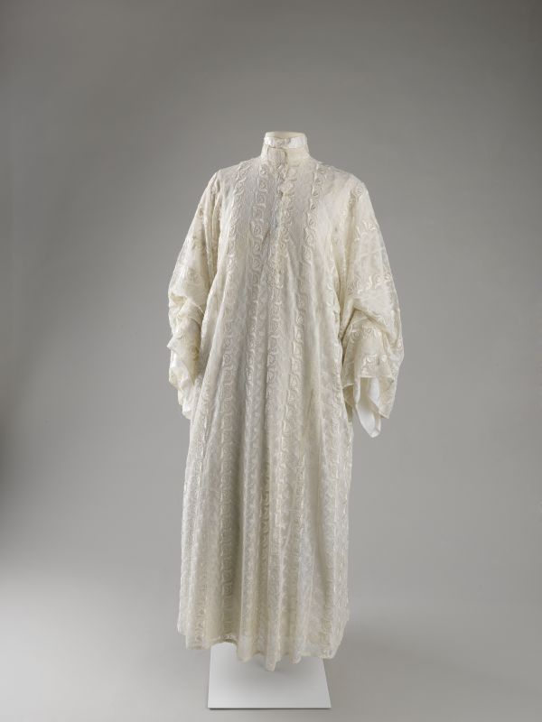 Women's dress and underdress for the High Holidays