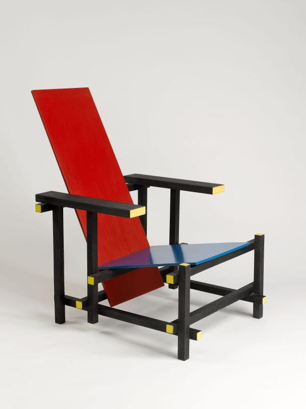 <i>Red-Blue</i> chair
