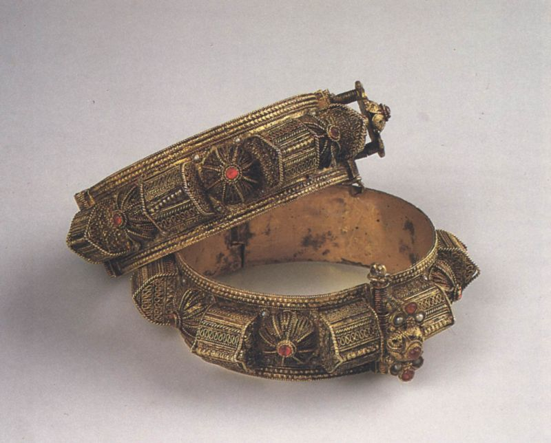 """Tomb"" bracelets (<i>gubur</i>) to be worn by a woman after childbirth and for festive occasions"