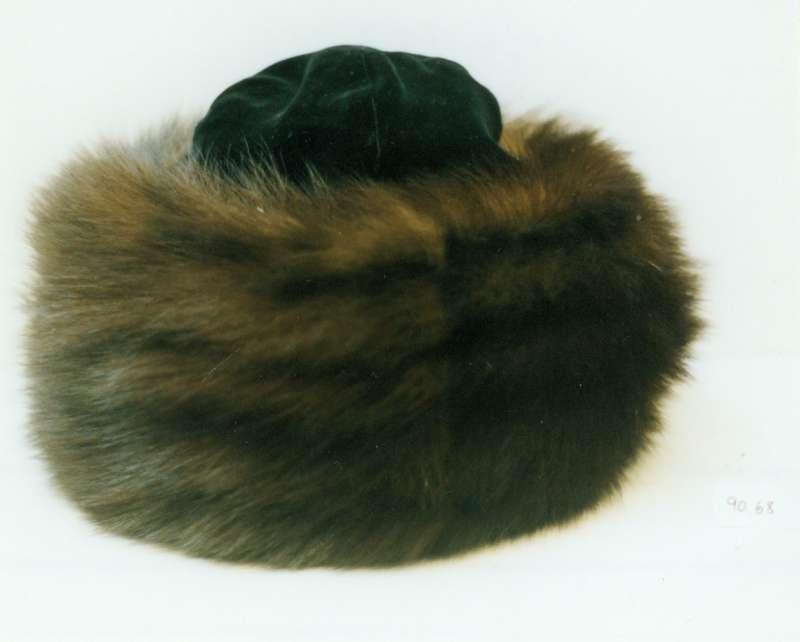 כובע לחתן חסידי ('שטריימל')