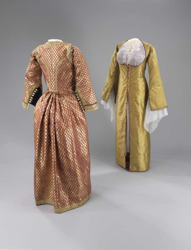 שמלות-מעיל הדורות וכותונת ('גאוון' או 'דריי קצה' ו'קמיסה')