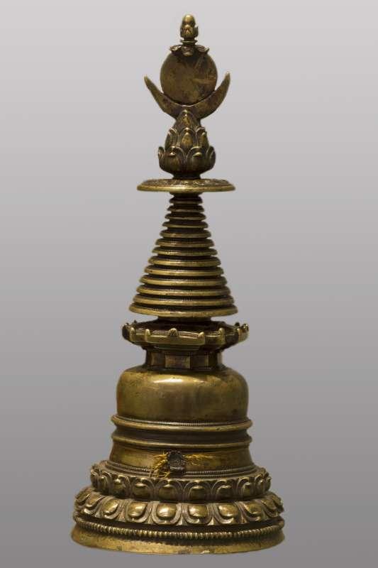 תיבת שרידים בודהיסטית ('סְטוּפּה')