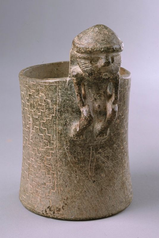 <i>Kero</i> beaker adorned with male figure