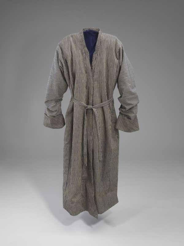 Weekday caftan worn in the Toledot Aharon court
