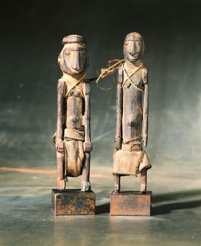 Deified male and female ancestor figures