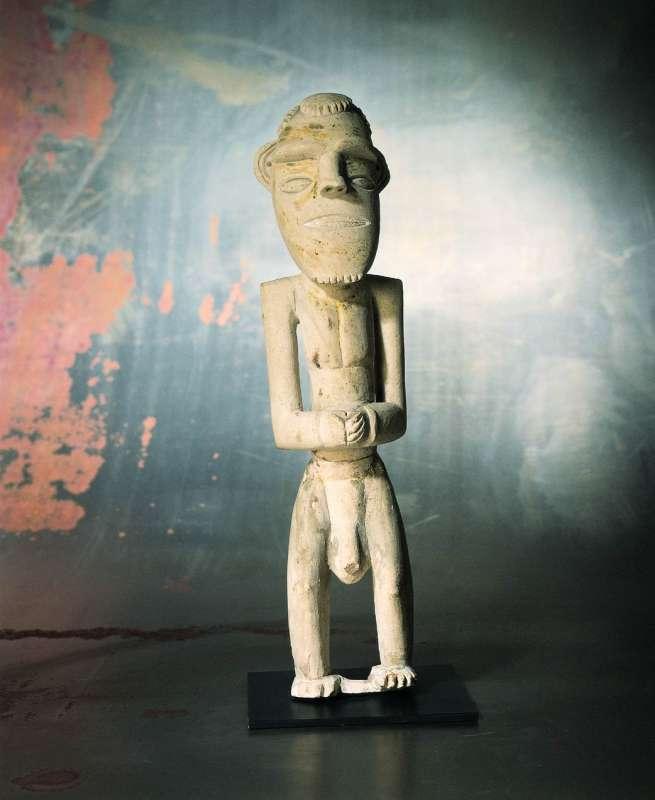 Ancestor figure (<i>kulap</i>)
