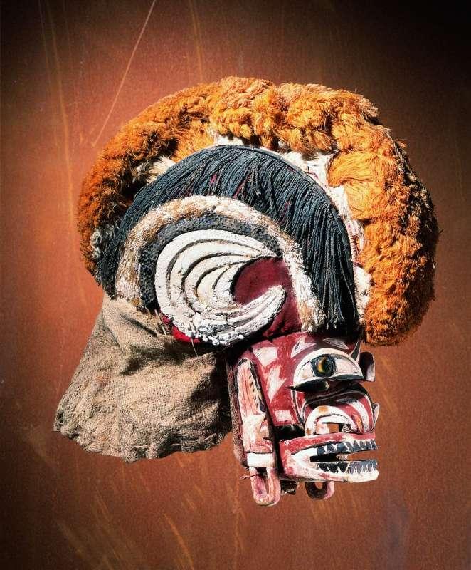 Malanggan funerary mask (<i>tatanua</i>)