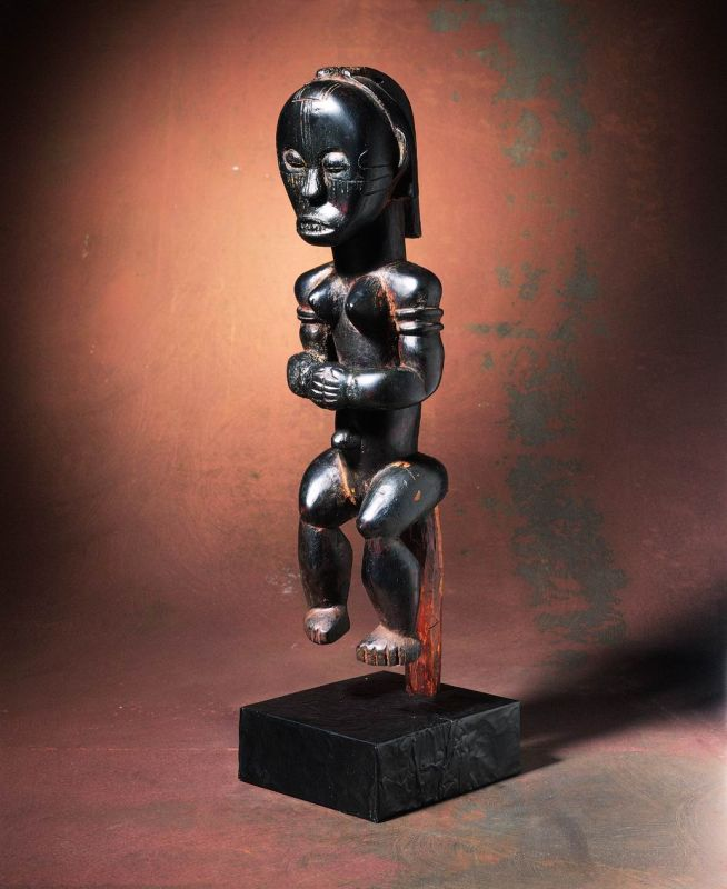 Female reliquary guardian figure (<i>byeri</i>)