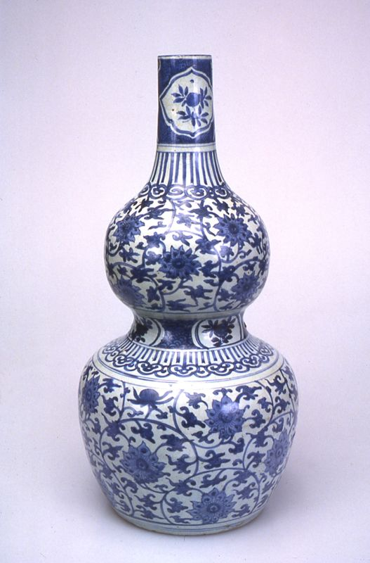 Vase in the form of a double gourd decorated with passion fruit flowers