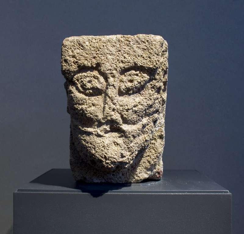 אבן-מסעד בדמות ראש אדם
